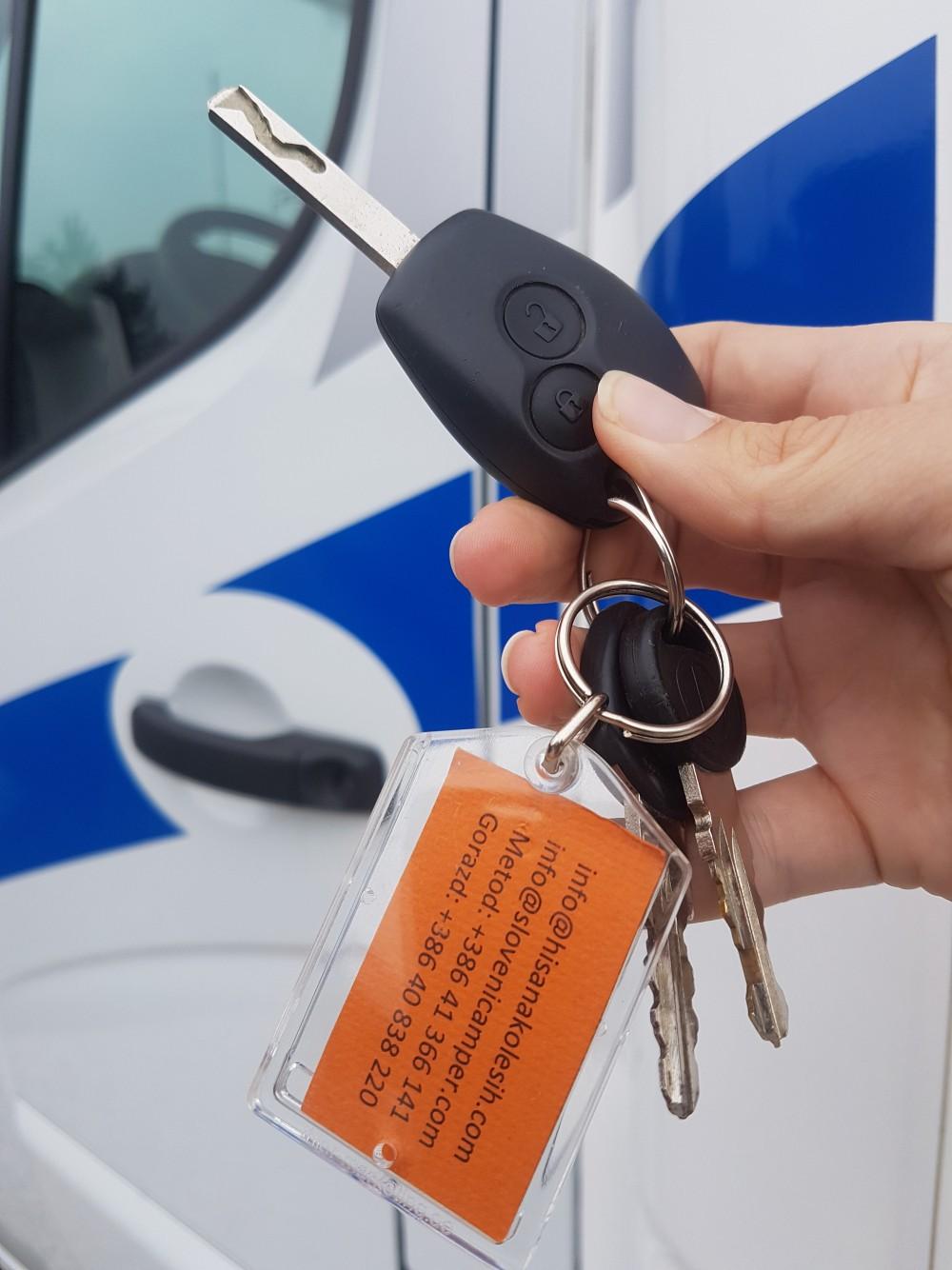 Na recepciji pokažite ključe našega vozila